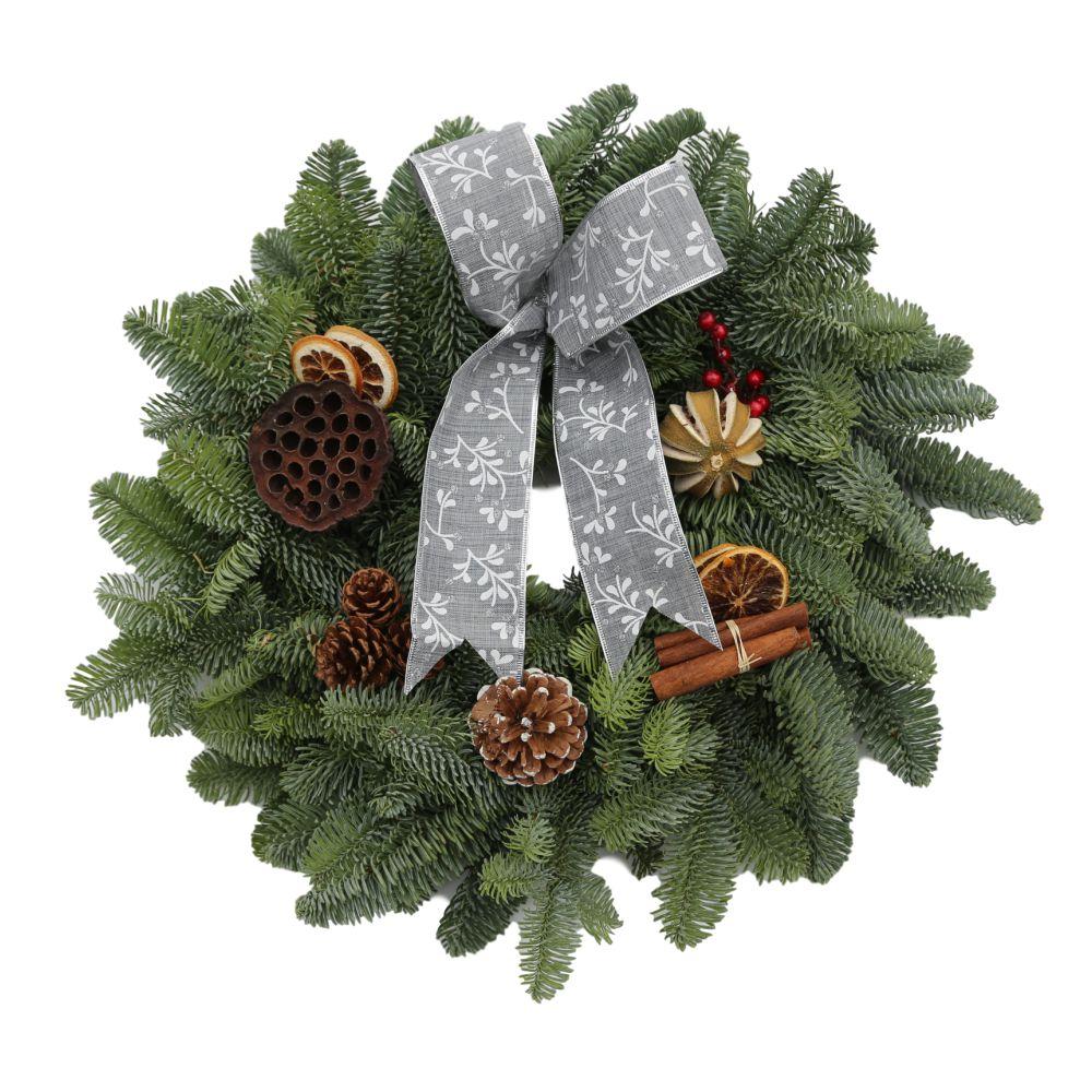 Red-bow-tartan-decortion-christmas-wreath silver